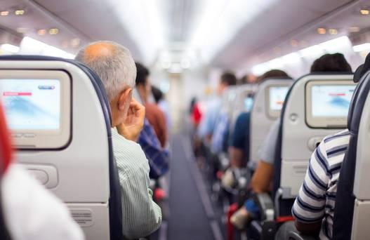 Tips Naik Pesawat Terbang Pertama Kali