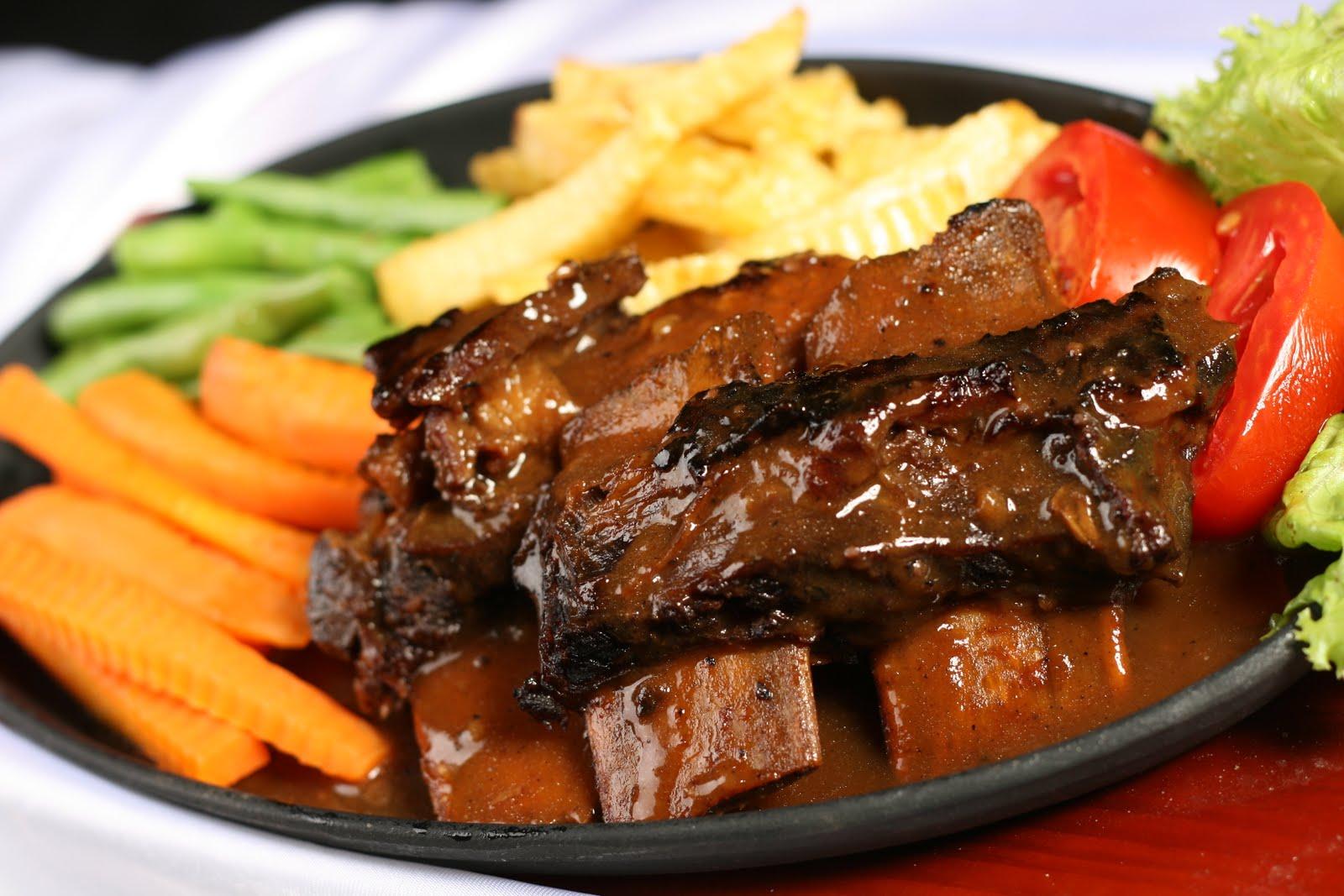 10 Tempat Makan Paling Enak Di Makassar