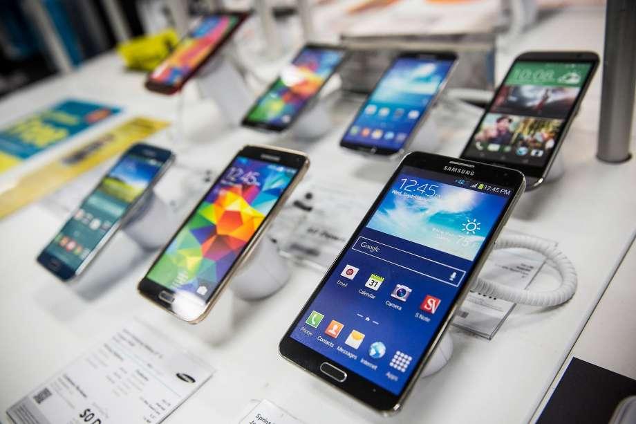 10 Hal Yang Harus Dipertimbangkan Sebelum Membeli Smartphone