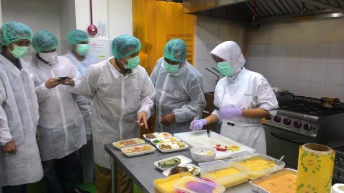 Mengintip Proses Pembuatan Makanan Maskapai Garuda Indonesia