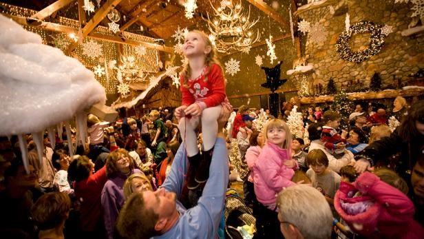 5 Tips Membuat Pesta Tahun Baru Yang Murmer (Murah Meriah)