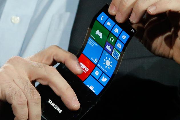Samsung Persembahkan Smartphone Dengan Layar Fleksibel Yang Dapat di Tekuk