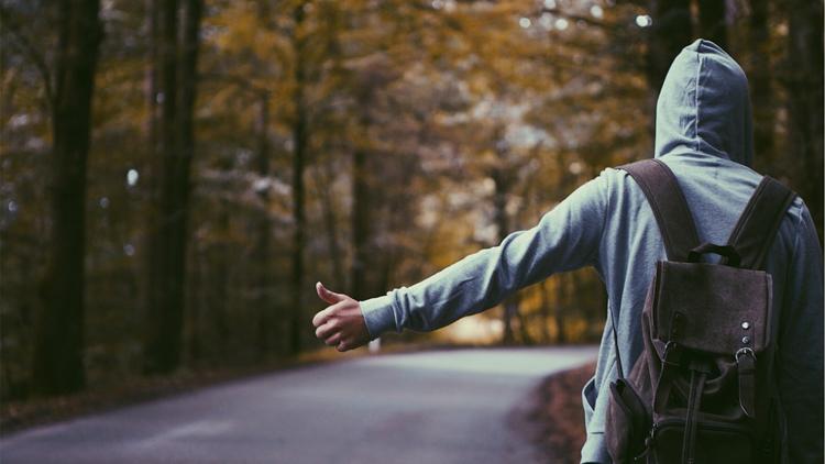 5 Manfaat Traveling Sendirian
