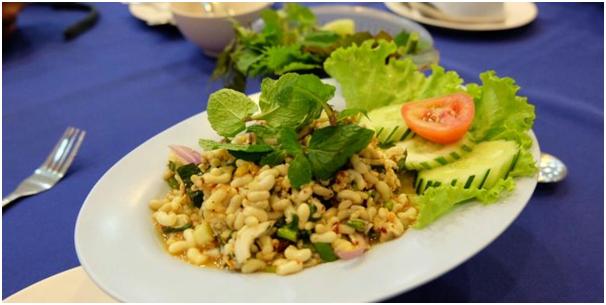 Di Thailand Sarang Semut Jadi Makanan Umum