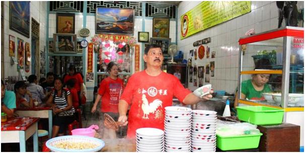 Mencicipi Mie Loncat Kuliner Khas Singkawang