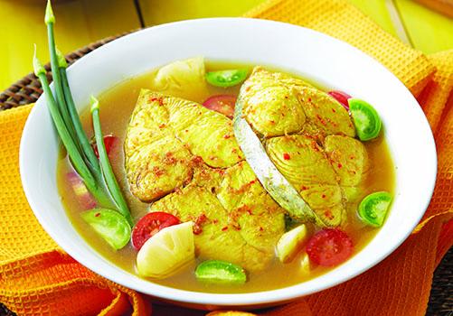 Ikan Masak Bumbu Kuning Nanas Khas Bangka