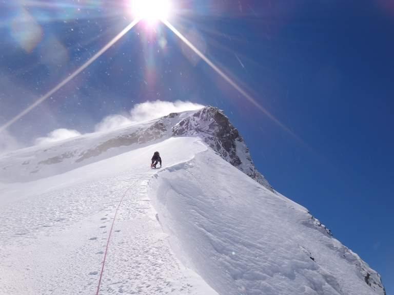 Belajar Naik Gunung Es? Ke Selandia Baru Yuk !