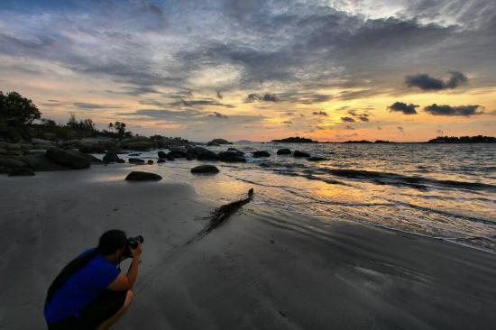 Pantai Penyusuk Jadi Surga Tercantik di Pulau Bangka