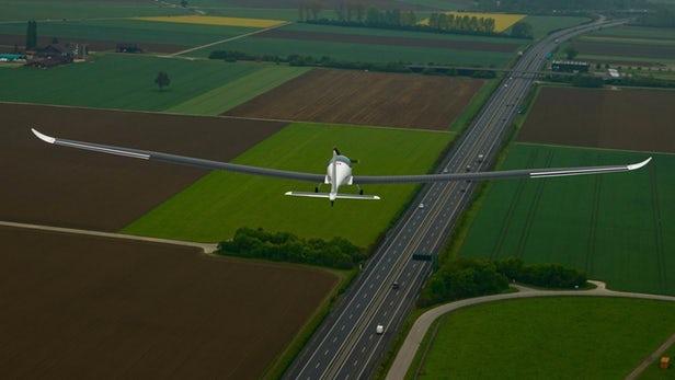 Teknologi Pesawat Surya Pertama Berhasil Tahap Uji Coba
