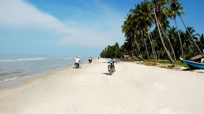 Ke Riau, Jangan Lupa Berkunjung Ke Pantai Rupat