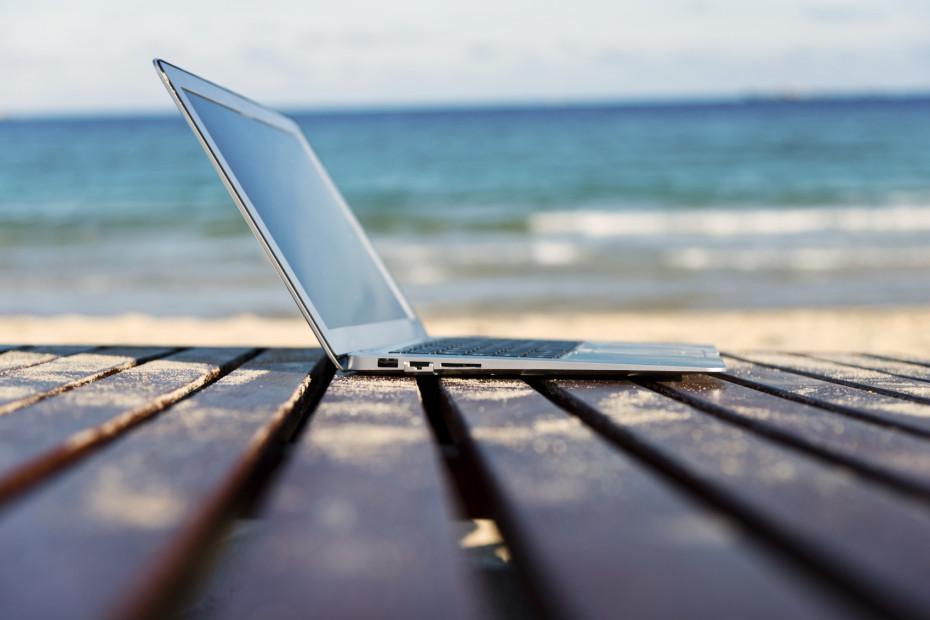 5 Tips Jitu Membawa Laptop dengan Aman Ketika Travelling