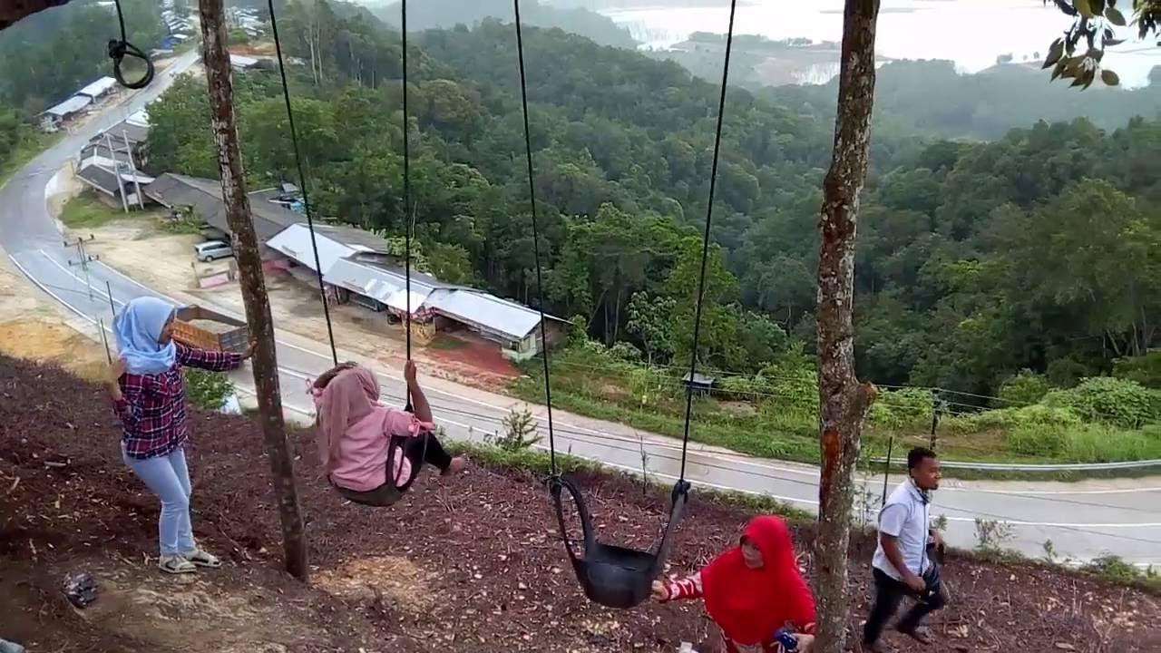 Yuk Uji Adrenalin Dengan Naik Ayunan di Puncak Pukatan Tanjung Alai Riau !