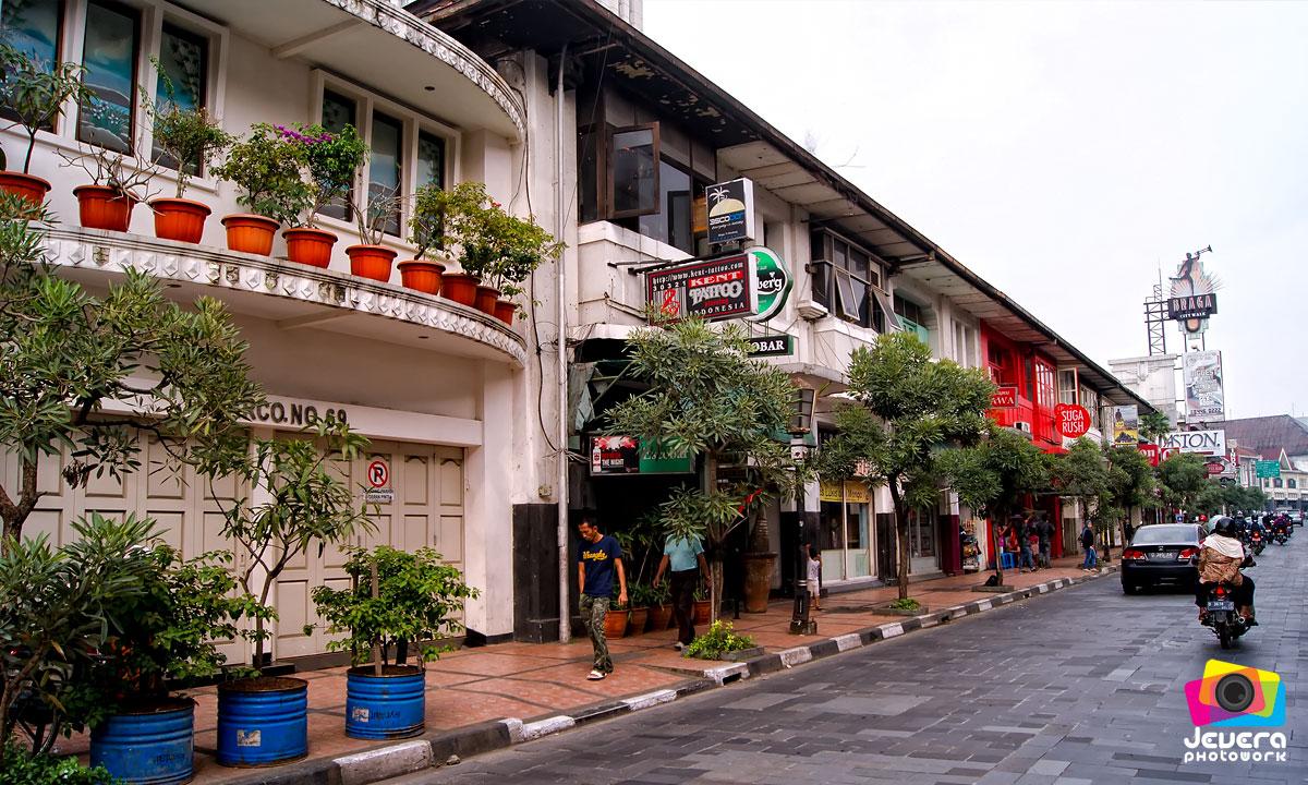 Nikmati Kelezatan Kuliner Bandung Sambil  Jalan-jalan Di Braga