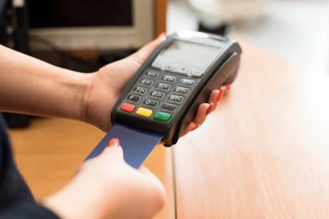 3 Kesalahan yang Sering Dilakukan Dengan Bunga Kartu Kredit