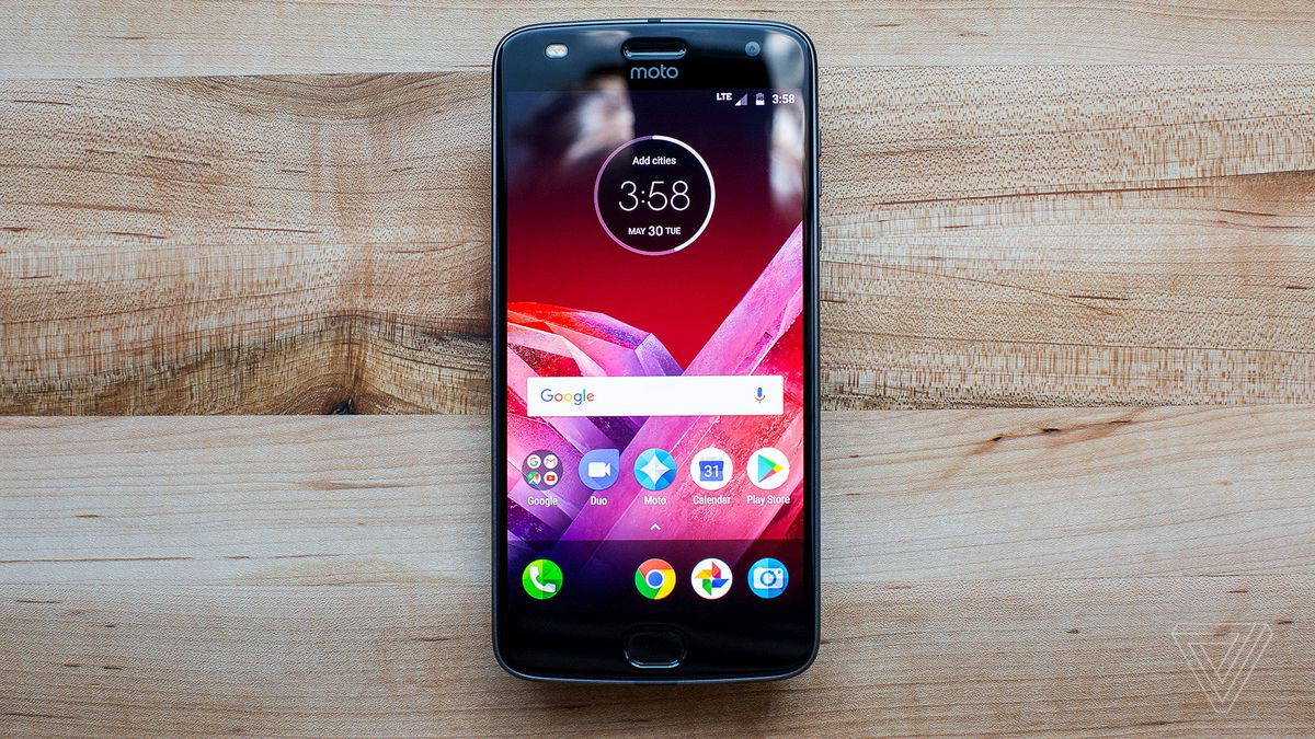 Motorola Moto Z2 Play Hadir Jadi Pesaing Vivo V5 Plus