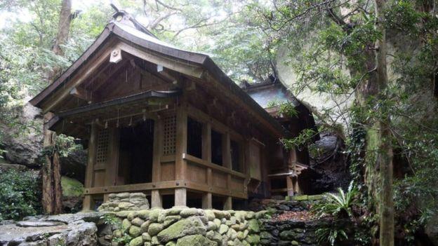 Intip Yuk Pulau Terlarang di Jepang untuk Kaum Hawa !