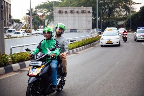 Tips Aman dan Nyaman Bepergian dengan Transportasi Online