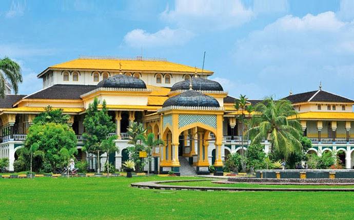 Yuk Ke Istana Maimun, Traveler Dapat Bergaya Ala Raja
