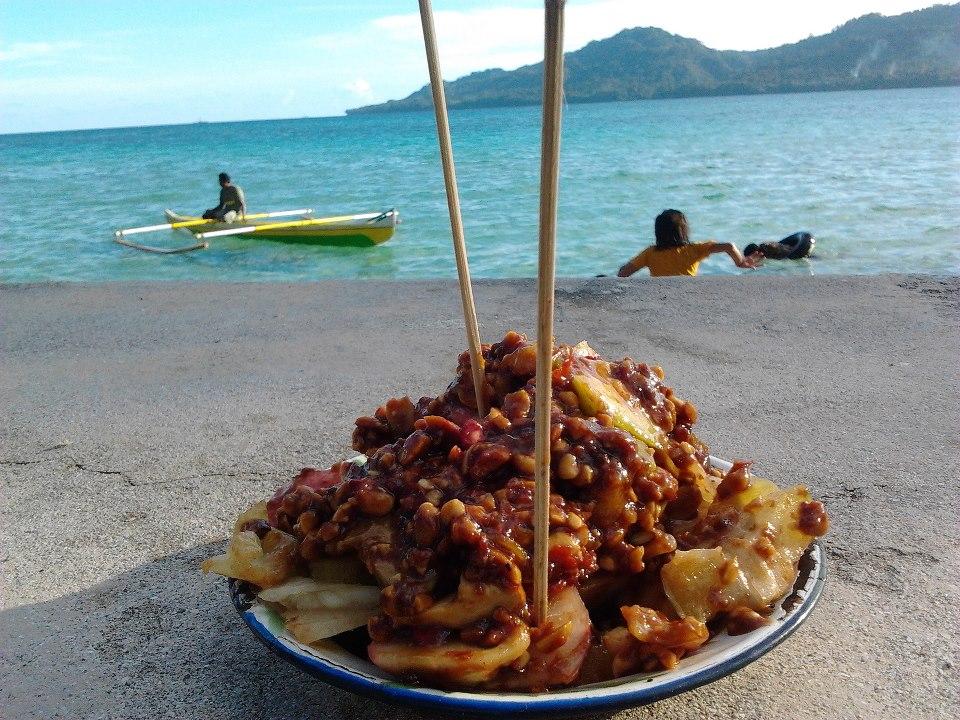 Nikmati Kecantikan Pantai dan Segarnya Rujak Natsepa Bikin Tak Mau Pulang