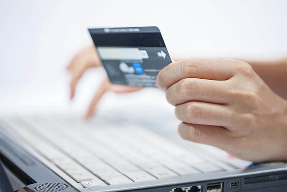 Cara Pilah-pilih Kartu Kredit Terbaik Untuk Ibu Rumah Tangga