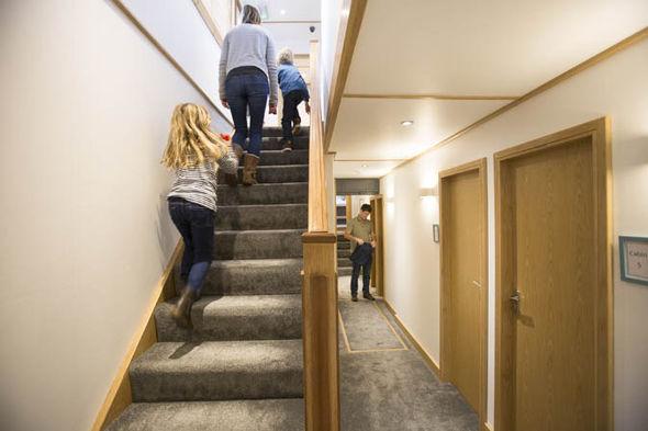 Wow, Ada Hostel Terapung di Inggris untuk Para Travelers