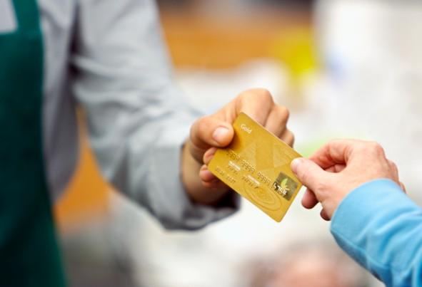 4 Kebiasaan ini Jerumuskan Diri Ke Kemiskinan Salah Satunya Kartu Kredit !