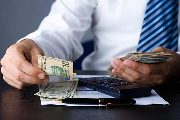 4 Kesalahan Dalam Mengatur Keuangan Ketika Usia 40 Tahun