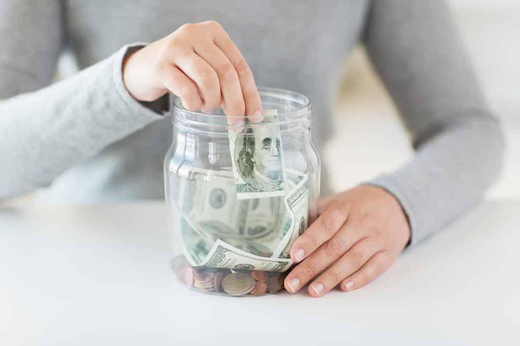Simak 4 Alasan Orang Kekinian Sulit Menabung, Kartu Kredit Salah Satunya !
