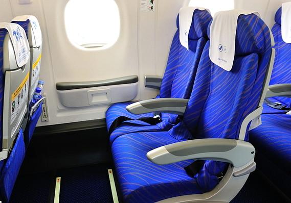 Ini Penyebab Kenapa Jendela Pesawat Tidak Sejajar Dengan Kursi