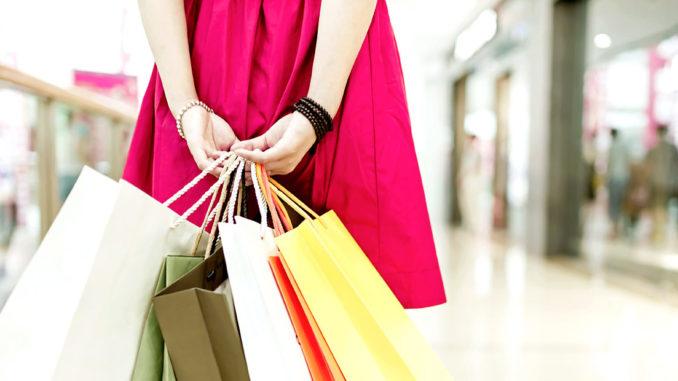 Panduan Tepat Belanja Dengan Kartu Kredit, Tunai, ataupun Kartu Debit