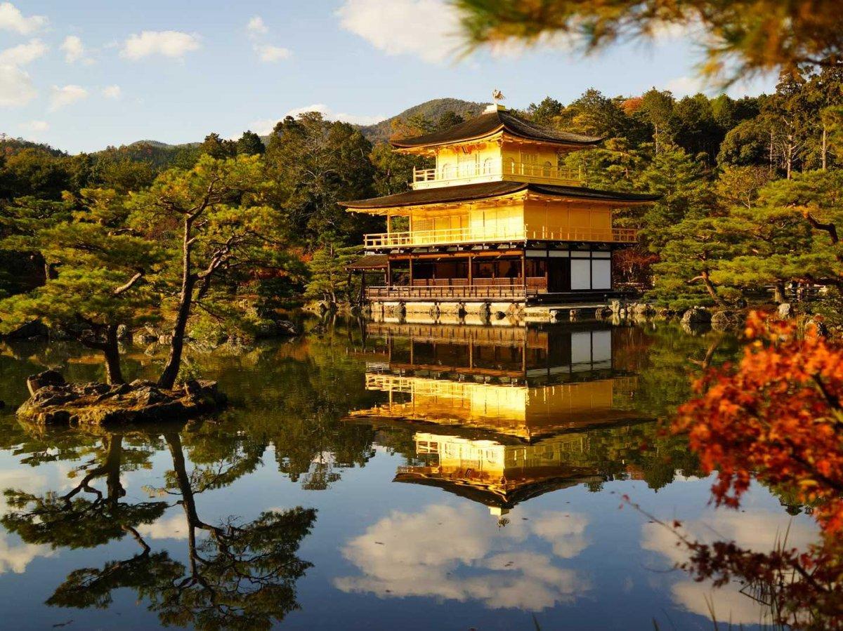 Wow, Ada Kuil Berlapis Emas di Kyoto !