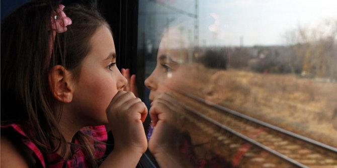 Tips Seru Liburan dengan Anak Naik Kereta Api