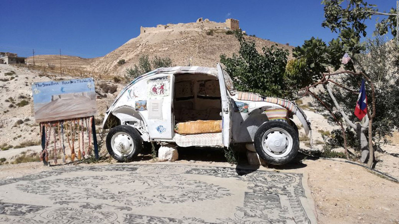 Super Unik, Ada Hotel Dalam VW Beetle !