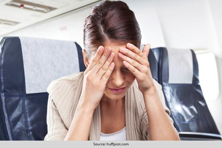 Tips Mencegah Mabuk Udara Selama Naik Pesawat