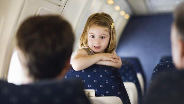 Jangan Lupakan Hal Ini, Saat Liburan Naik Pesawat dengan Si Kecil !