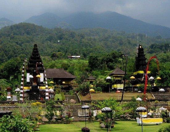 Wow, Suasana Bali Hadir di Jawa Barat !