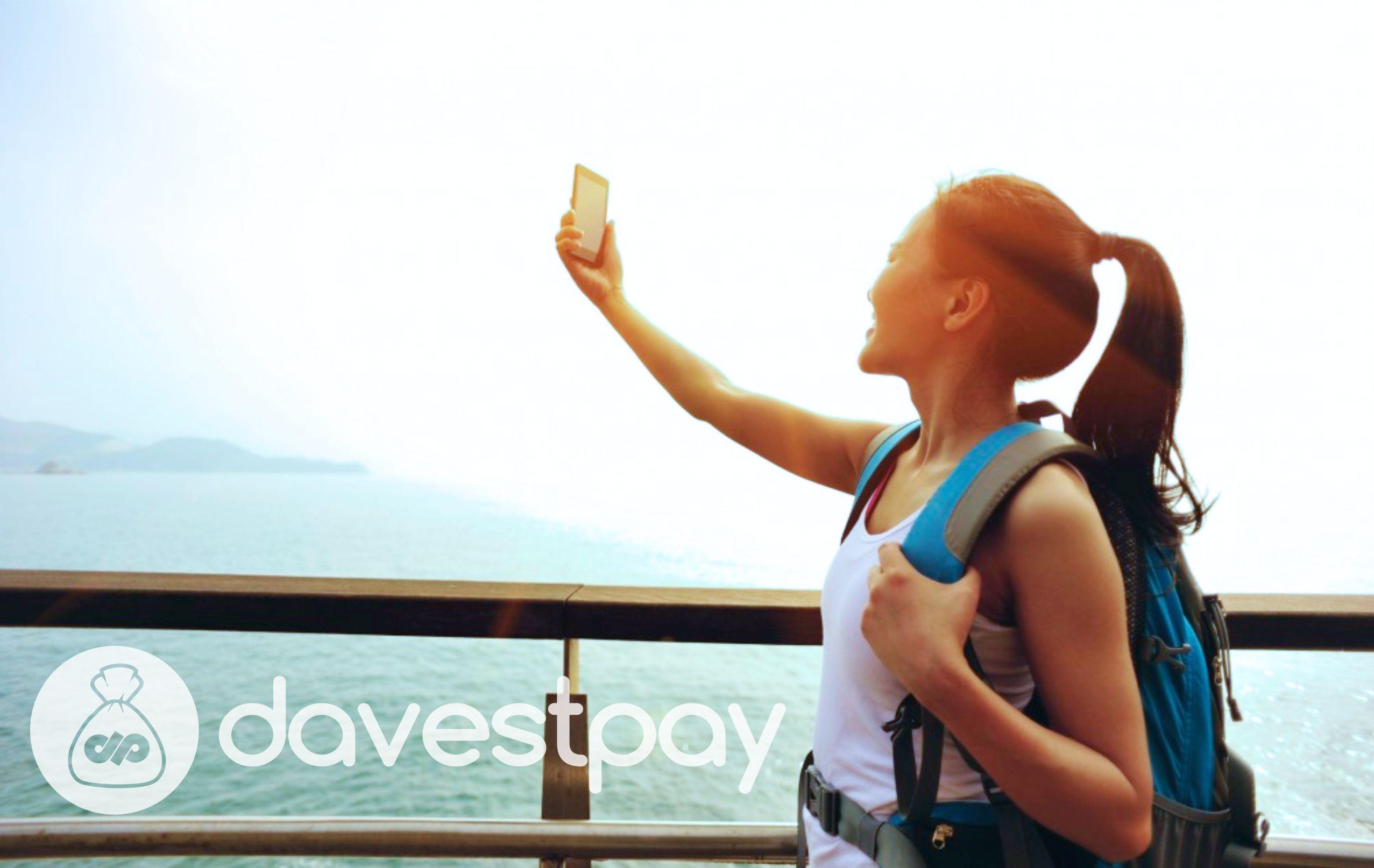 Foto Selfie Lebih Memukau Pakai Trik Ini !